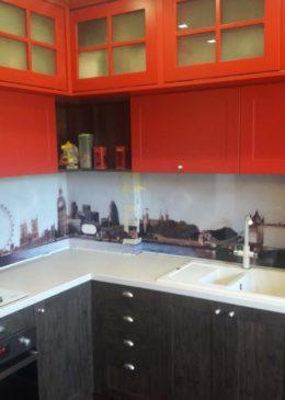 кухонный фартук из стекла с рисунком