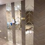 Преимущества использования зеркального панно в интерьере